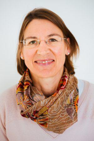 Dr. Schäfer-Nussbaum, Antje